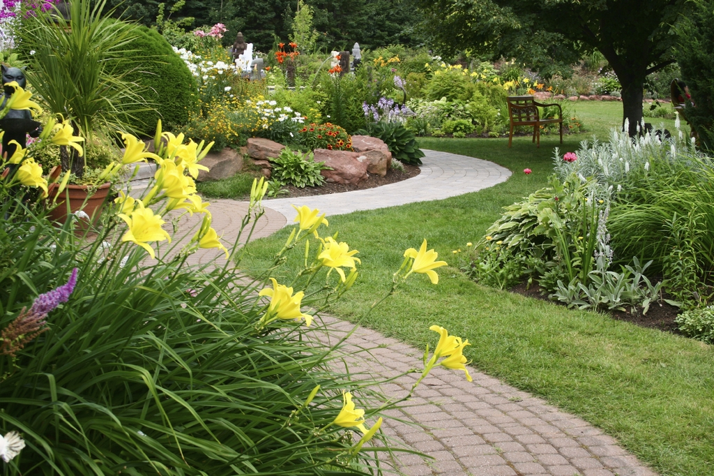 residential-landscaping-1